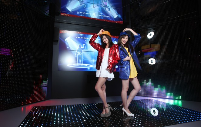 Madame Tussauds Hong Kong Seoul Nightclub dancing interactive
